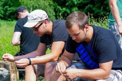 Team-Survival-1323