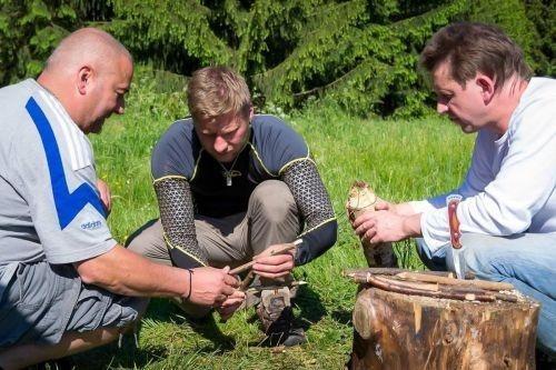 Team-Survival-3013