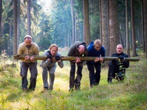 Team-Survival-5692