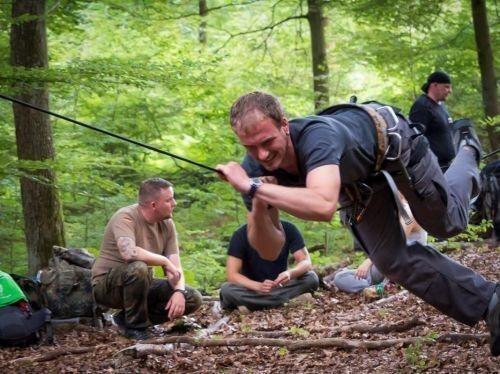 Team-Survival-11301