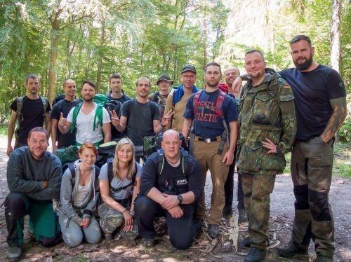 Team-Survival-11402