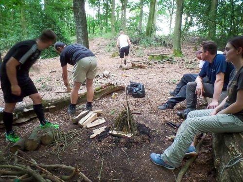 Team-Survival-4523