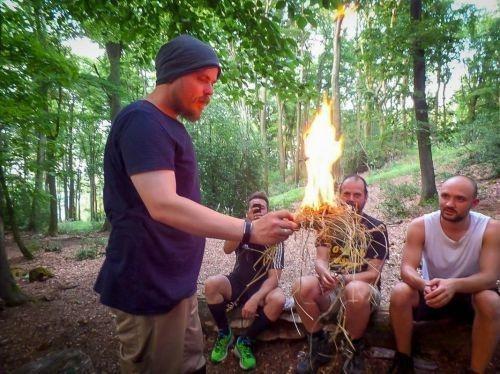 Team-Survival-4537