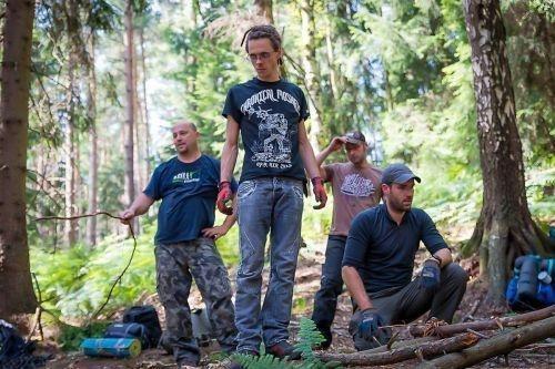 Team-Survival-6643