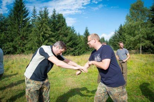 Team-Survival-10430