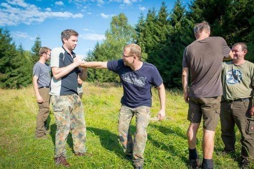 Team-Survival-10464
