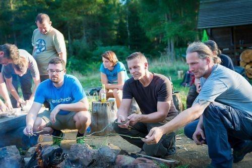 Team-Survival-10502