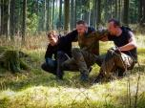 Team-Survival-4473