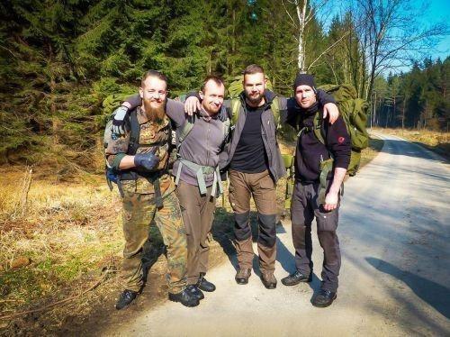 Team-Survival-4487