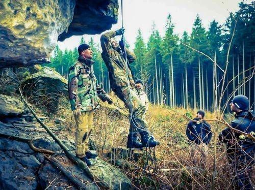 Team-Survival-5508