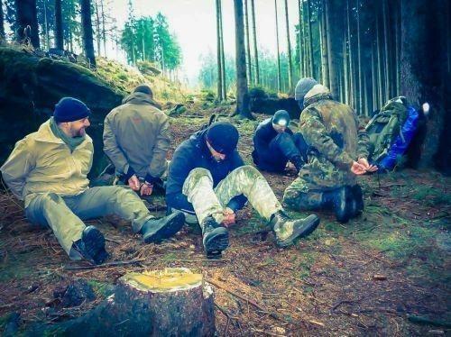 Team-Survival-5544