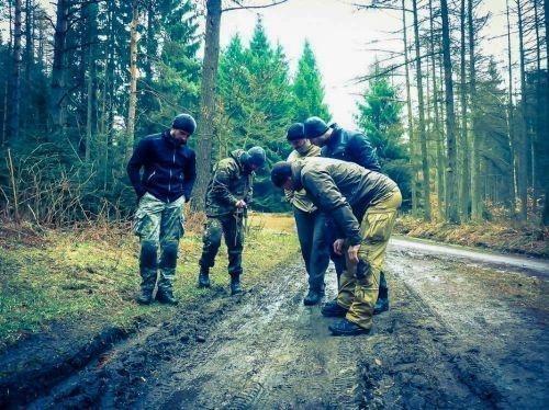 Team-Survival-5553