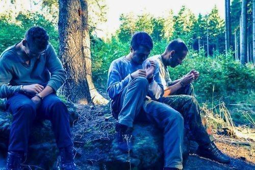 Team-Survival-5782