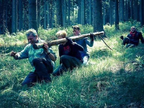 Team-Survival-6356