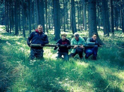 Team-Survival-6364