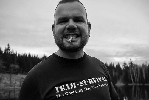 Team-Survival-9445