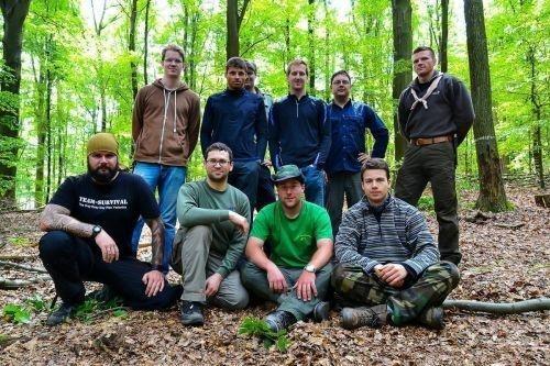 Team-Survival-12106