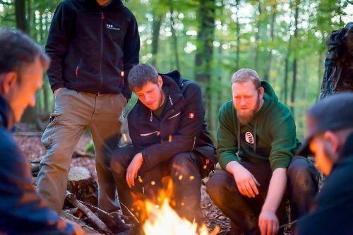 Team-Survival-12582