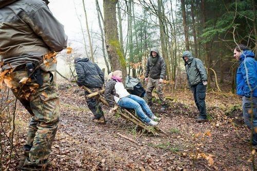 Team-Survival-15158