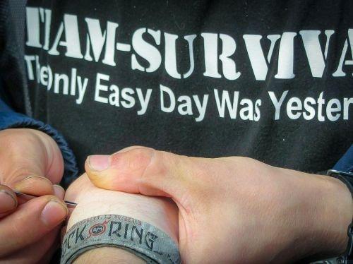 Team-Survival-1347