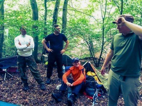 Team-Survival-14042