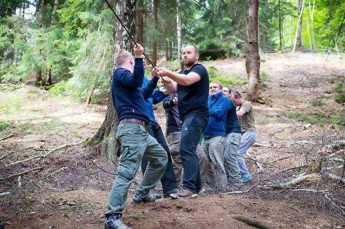 Team-Survival-7026