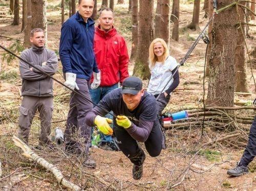 Team-Survival-9032
